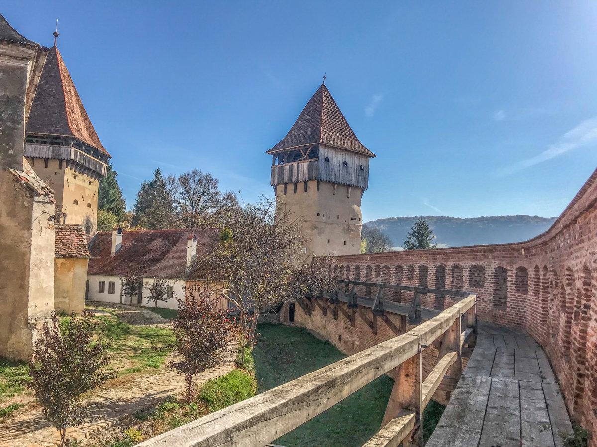 Biserica Fortificată Alma Vii