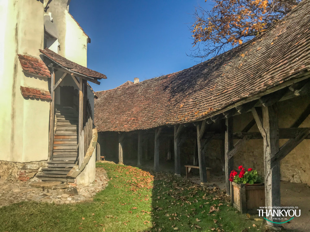 biserica-fortificata-bunesti