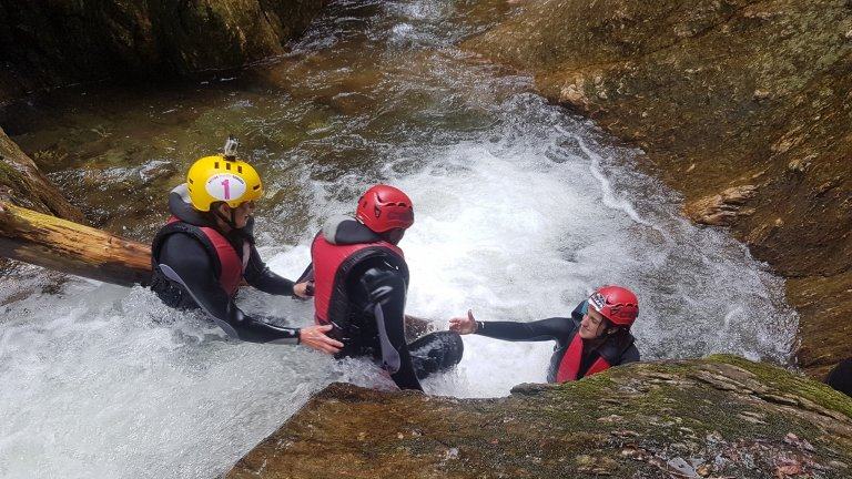 canyoning-porumbacu-mares-outdoor-events