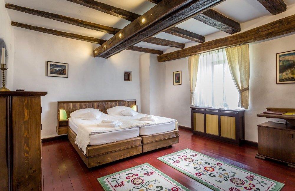 castle-hotel-daniel